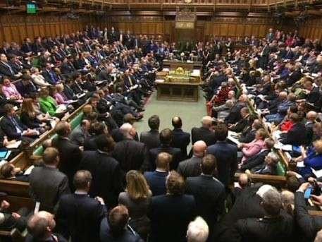 Великобритания сможет депортировать 3 миллиона европейцев