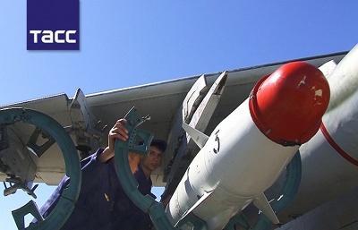 Штурмовики Су-25 выполнили боевые пуски управляемых ракет по лагерю «противника» на Урале