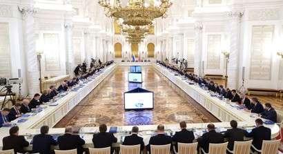 Владимир Путин проводит заседание Госсовета по вопросам строительства — прямая трансляция