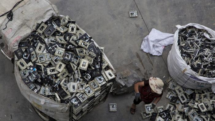 Европа и США незаконно отправляют тонны электронного мусора в развивающиеся страны