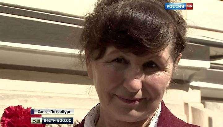 Петербургская крановщица-героиня получила российский паспорт