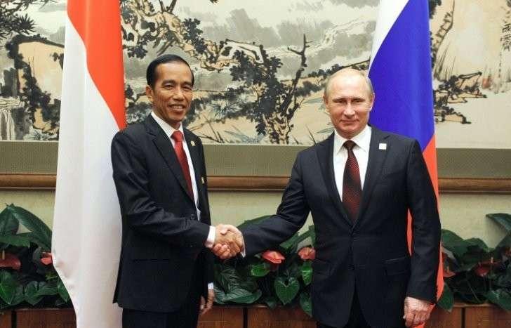 Владимир Путин с президентом Индонезии Джоко Видодо