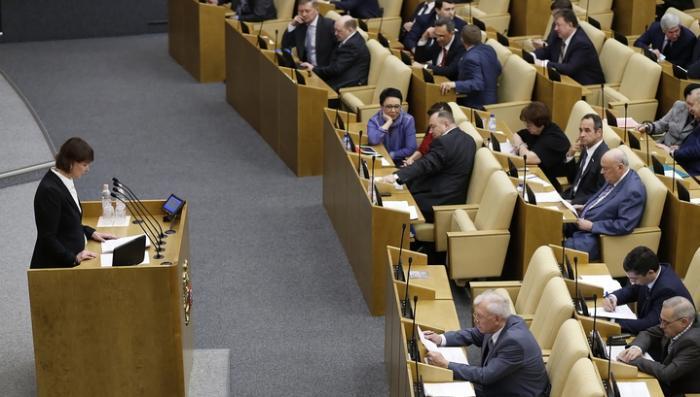 Госдума повысила МРОТ почти на 1300 рублей