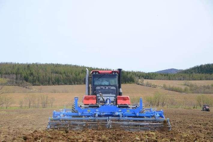 Для проведения посевной компании сахалинские аграрии получили более 200 единиц новой техники