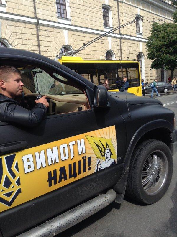 Тысячи нацистов из «Айдара» требуют в Киеве для Донбасса не выборов, а «смерти врагам»