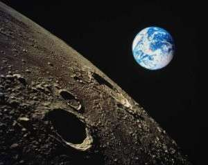 Луна — гигантский искусственный замысел?