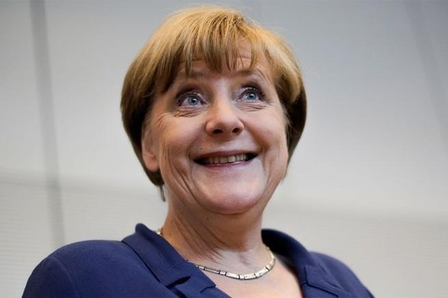 Вразумите эту ненормальную женщину, пока Европа окончательно не пала!