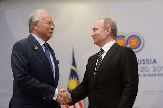 В Киеве паника: Россия и Малайзия начали собственное расследование трагедии «Боинга»