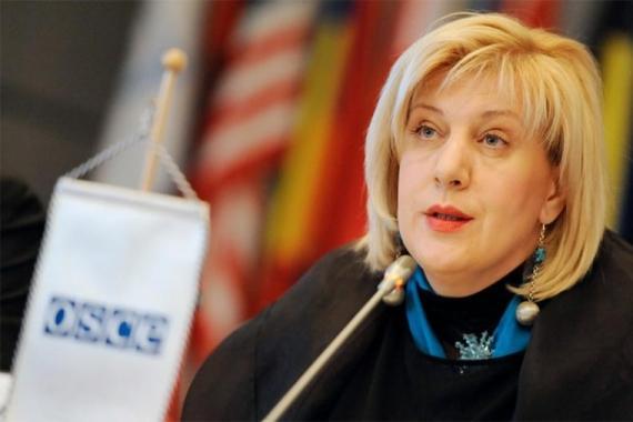 Дунька из Европы наконец заметила, что на Украине обижают журналистов