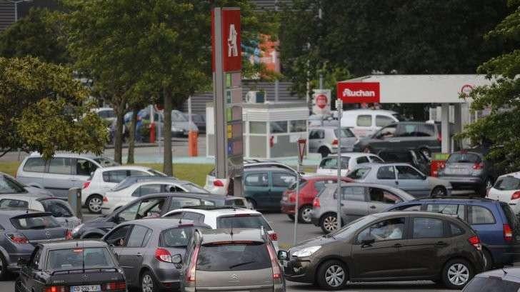 Мёртвый сезон: треть АЗС во Франции осталась без топлива