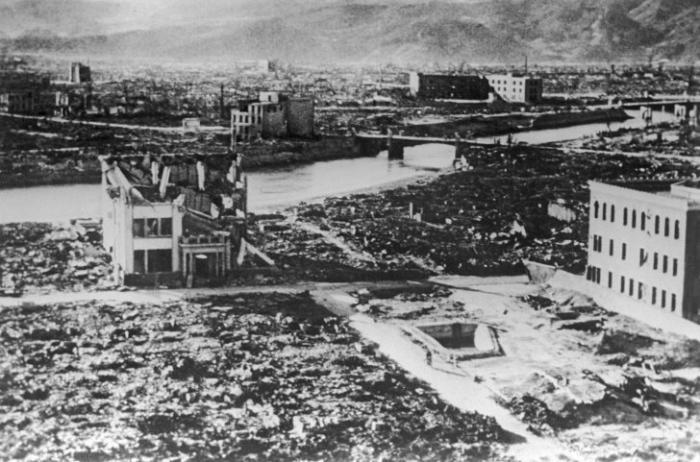 Опрос RT: знают ли в США, какая страна последней применила ядерное оружие