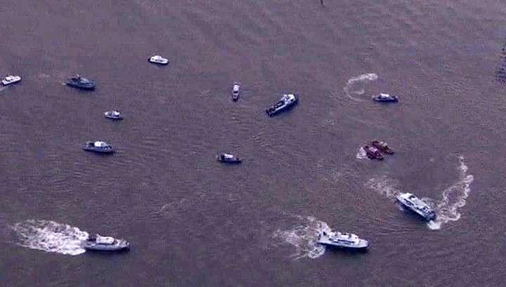 Близ Нью-Йорка самолёт рухнул в реку
