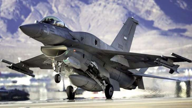США не смогли втюхать F-16 Пакистану