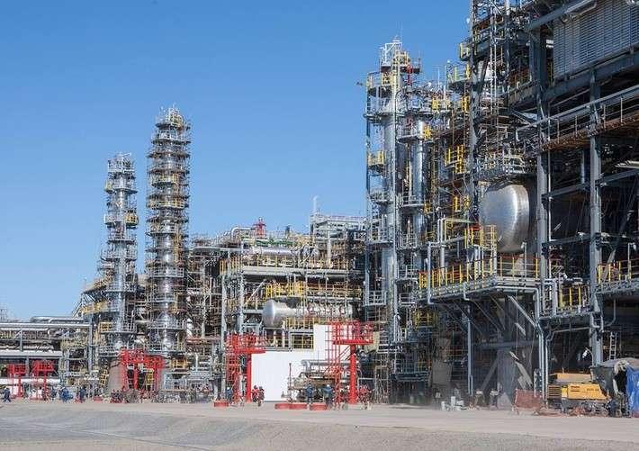 В Волгограде запущен крупнейший в России комплекс глубокой переработки нефти