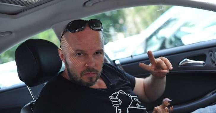 Рассерженный немец собирает колонну на Москву