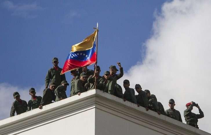 Глава МИД Венесуэлы: над страной нависла угроза военного вмешательства
