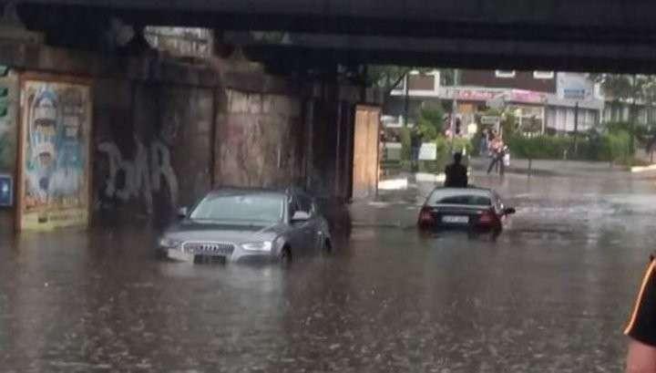 Европу смывает: наводнение из-за проливных дождей