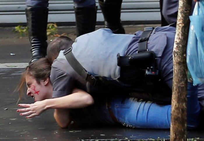 В Бразилии полиция жестоко разогнала протесты против временного президента