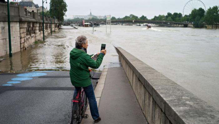 Лувр и Орсе закроют на время наводнения в Париже