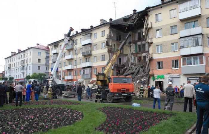 Демонстрация слабоумия: после обрушения подъезда в Междуреченске арестованы рабочие, делавшие ремонт на 1 этаже
