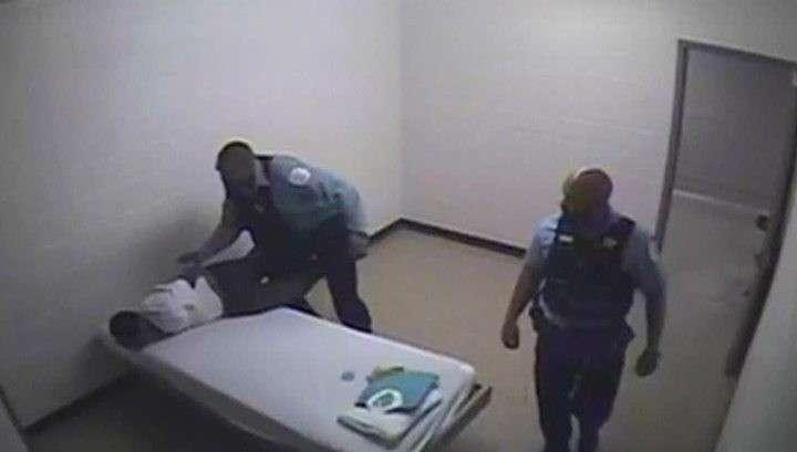 Полиция Чикаго 5 лет издевалась над чернокожими