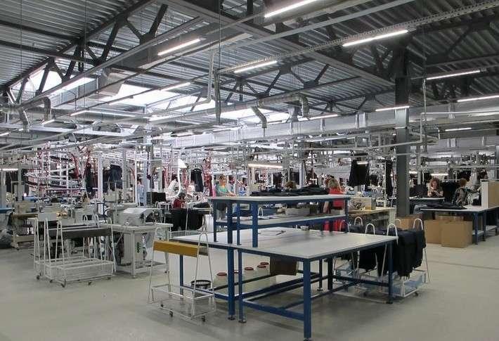 В Саратовской области открыли фабрику по изготовлению модной одежды