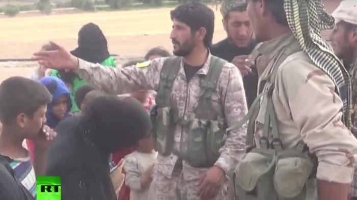 «Вы в безопасности!»: отряды народной самообороны берут под защиту сирийцев, бегущих от ИГ
