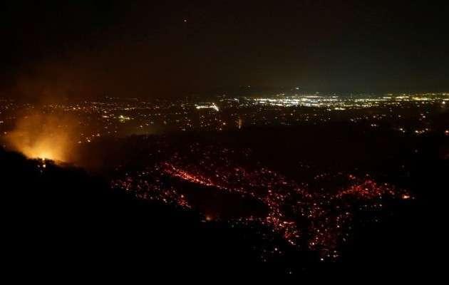 В Калифорнии несколько дней бушует пожар «Старый Огонь»