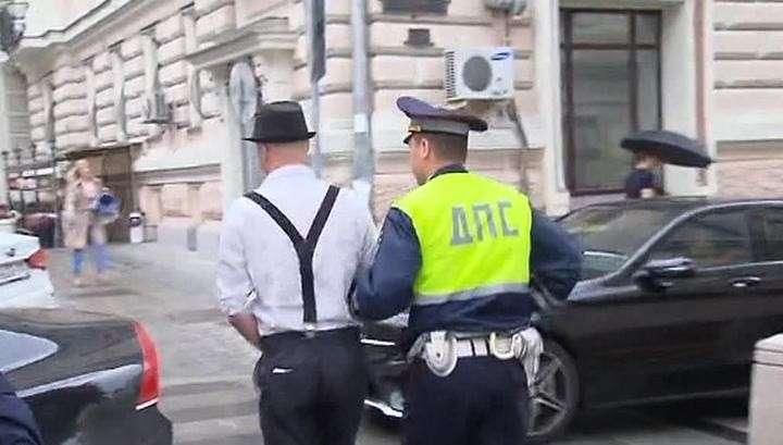 Шляпа, подтяжки, прокурорская Чайка: голливудский блокбастер на московских улицах