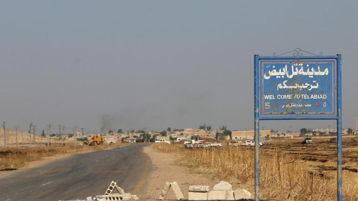 Сбежавшие от ИГИЛ сирийцы в интервью RT рассказали о жизни под контролем боевиков