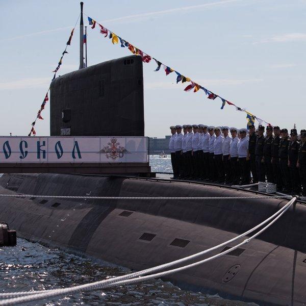 Минобороны ответило британским ВМС, которые «обнаружили» подлодку, плывшую в надводном положении с буксиром