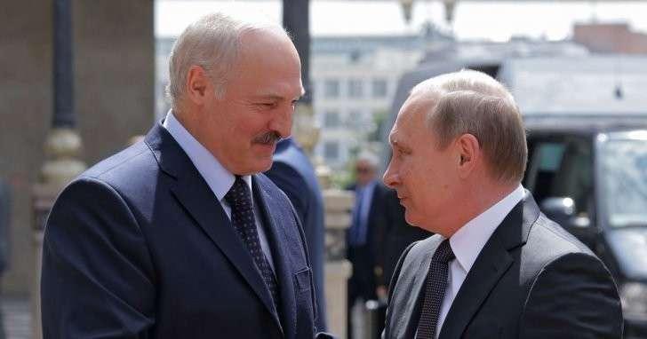 Владимир Путин рассказал Александру Лукашенко, что мало спит