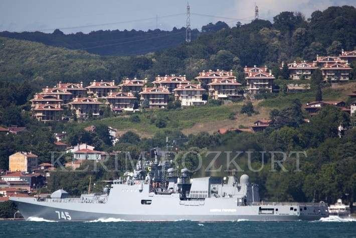 Фрегат «Адмирал Горшков» в Североморске, а фрегат «Адмирал Григорович» в Стамбуле!