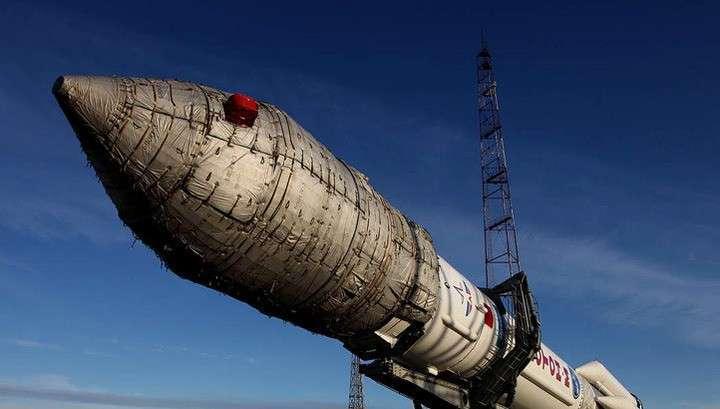 «Протон» со спутником Intelsat стартовал с Байконура
