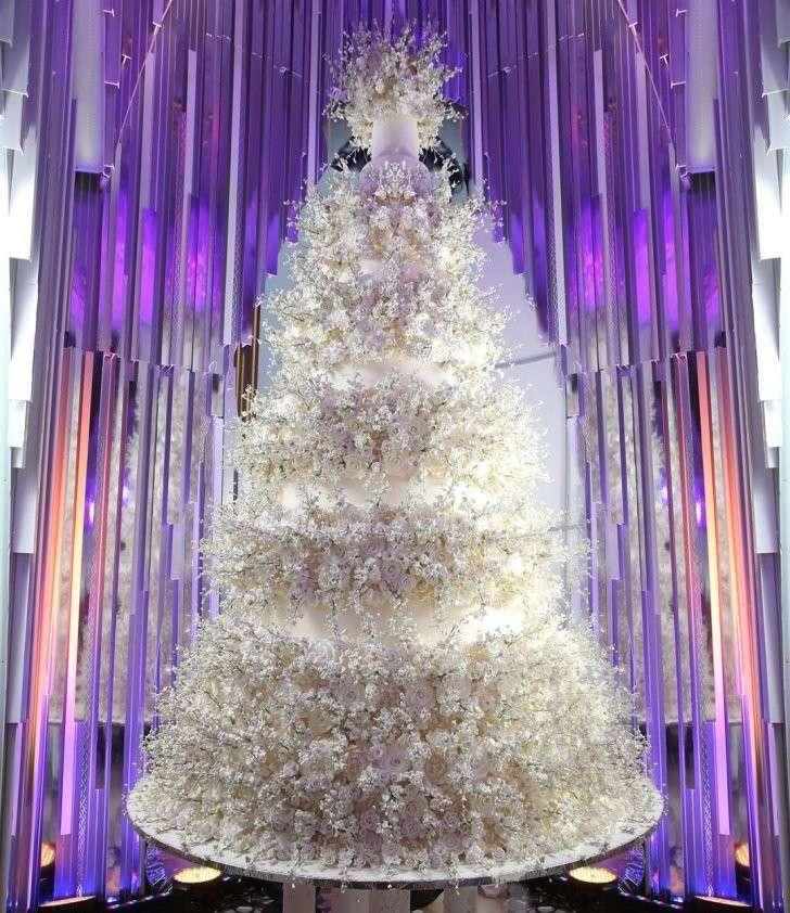 Музыканты за $800 тысяч и шестиметровый торт: миллиардер Карапетян женил сына