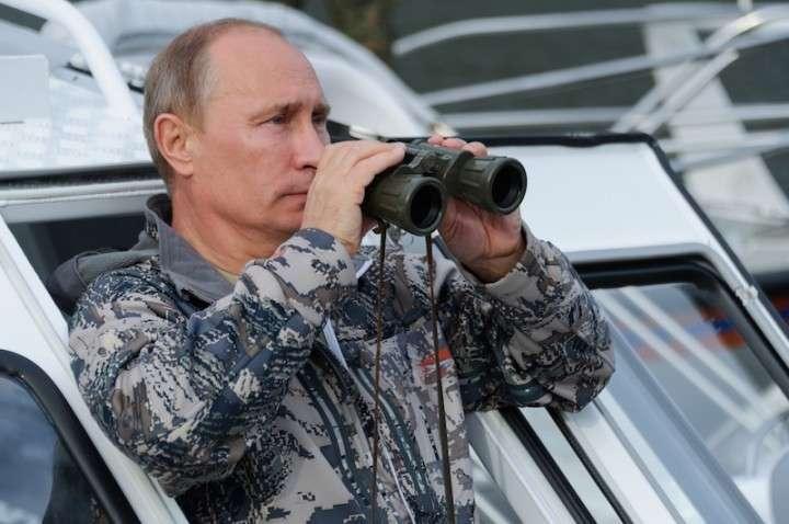 Вам привет из России, всё ещё сильной и независимой