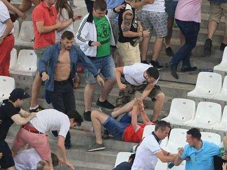 России грозит штраф за драки болельщиков