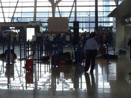 В международном аэропорту Шанхая прогремел взрыв