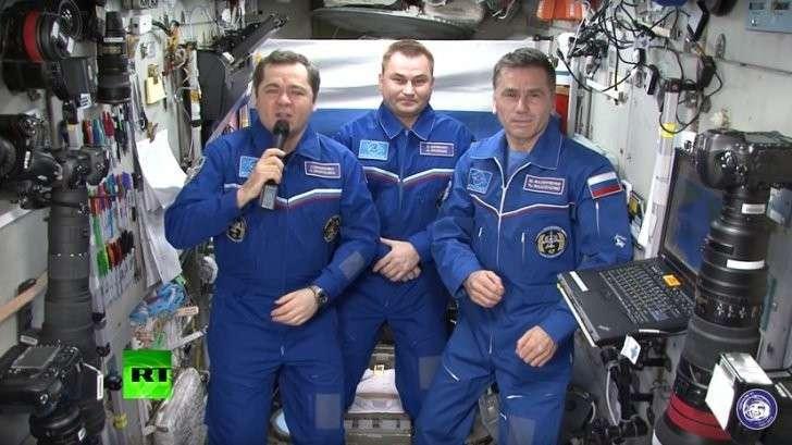 Космонавты МКС передали поздравления с Днём России