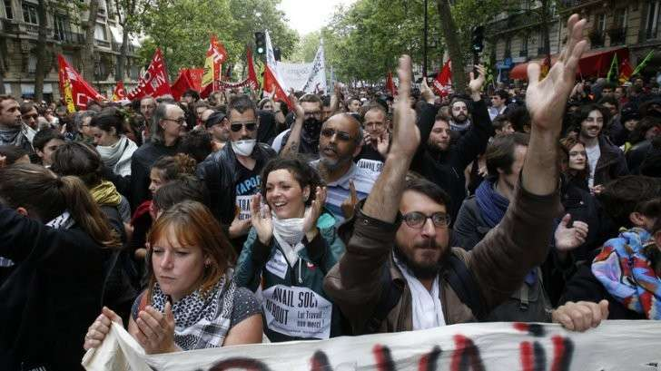 Протесты против трудовой реформы в Париже — прямая трансляция