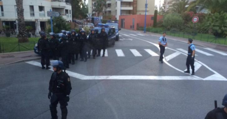 Французская полиция подготовила 29 постановлений о депортации российских дураков-фанатов