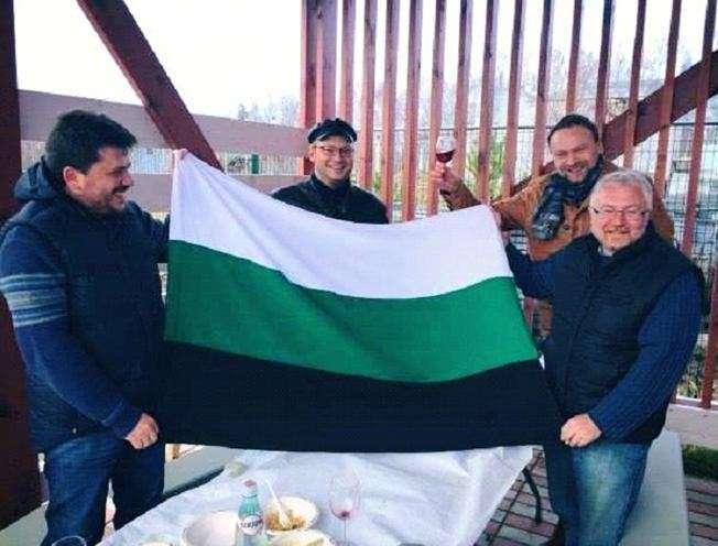 Урал: опорный край державы или последнее прибежище либерала?
