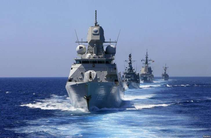 Американский адмирал «маленький ум - косой глаз» знает, почему Россия не мешает учениям НАТО
