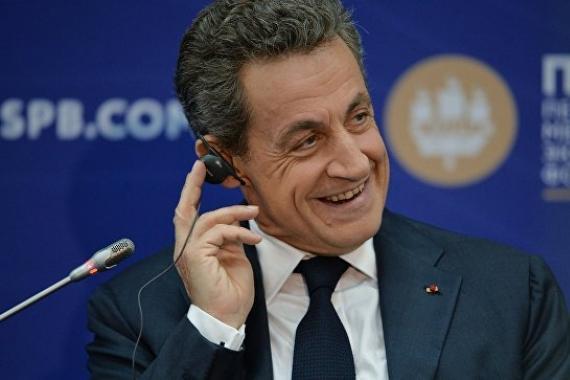 Маленький змеёныш Саркози приехал к «другу» Путину так же, как раньше приезжал к «другу» Каддафи
