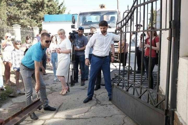 Позор вице-спикера Крыма. Местный бизнес плюет на российские законы