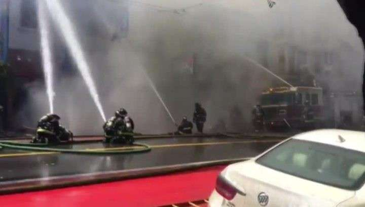 Жилой район Сан-Франциско охватил сильный пожар