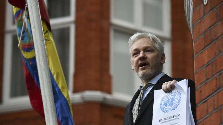 Иммунитет поневоле: кому предоставляли политическое убежище в посольствах