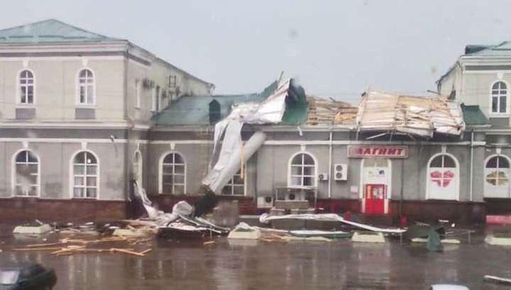 Смерч, потоп и град: стихия обрушилась сразу на несколько российских городов