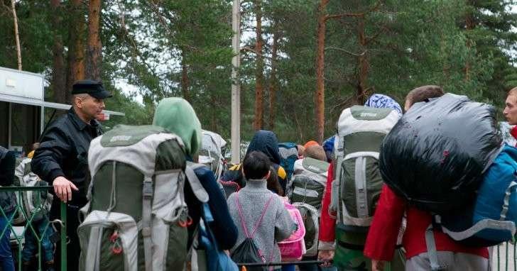 Лагерь образцового распила: бараки и клещи за счёт бюджета