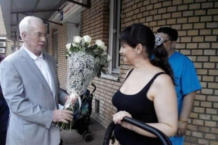 Елену Глищанскую и сына Никиту выписали из больницы в Москве